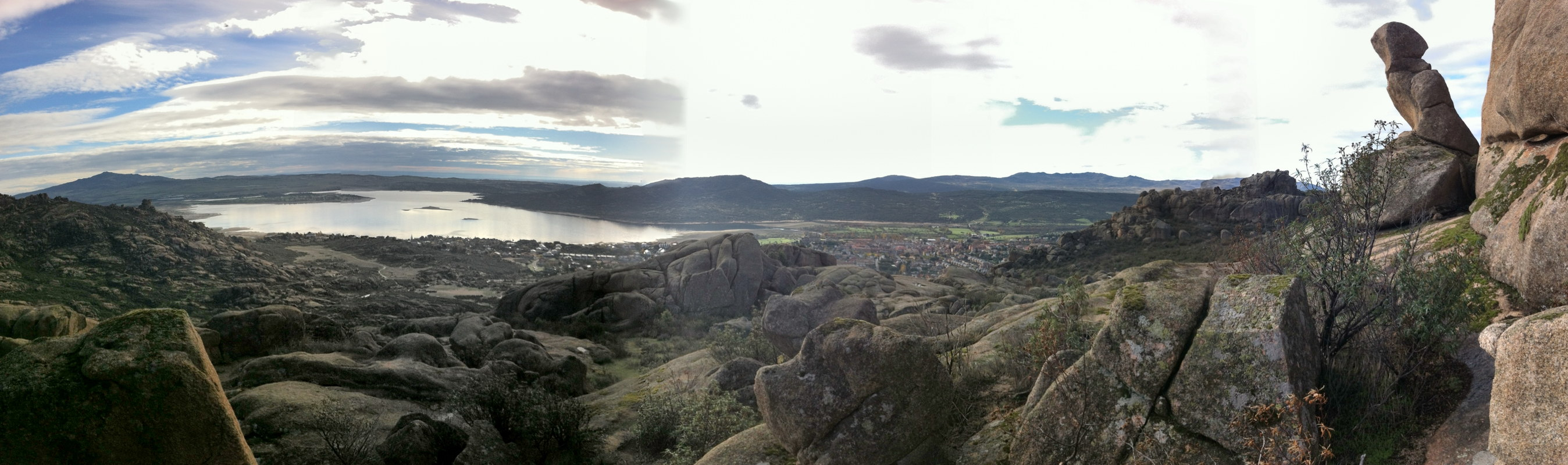 Vistas desde la atalaya / View from a nearby peak